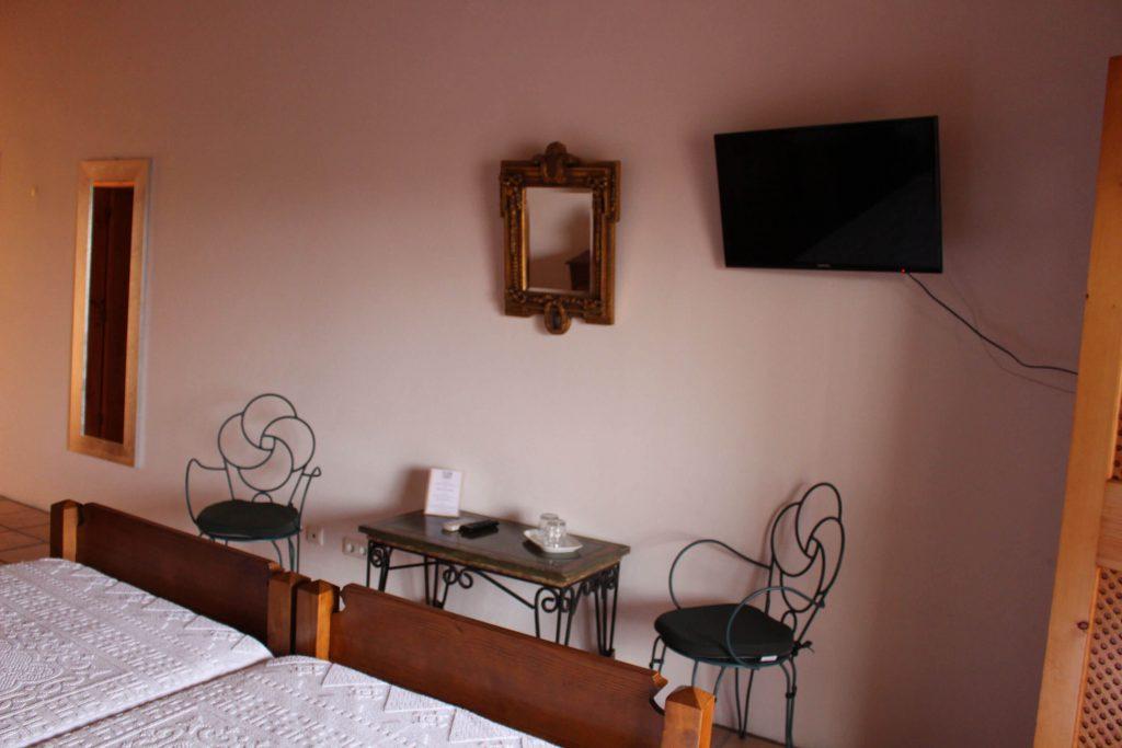Chambre double avec télévision écran plat