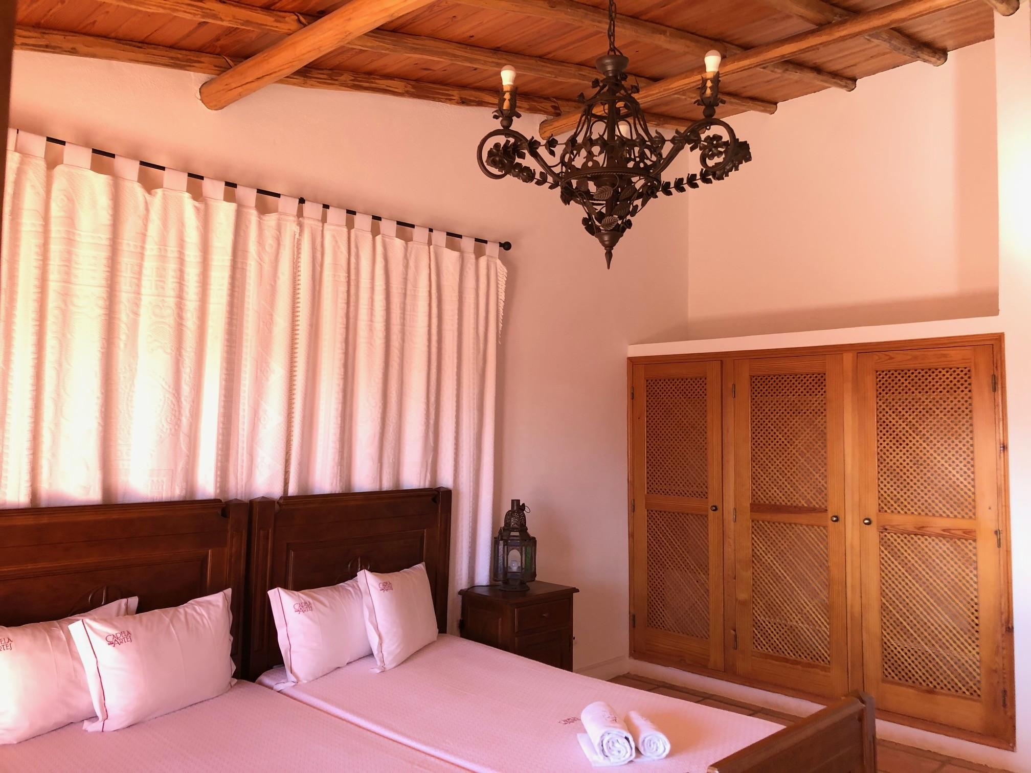 Quarto duplo com dois camas e terrace