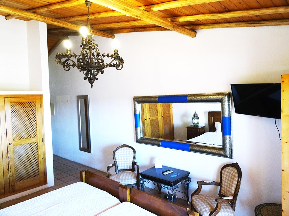 Double rooms equipped with AC, TV, fridge