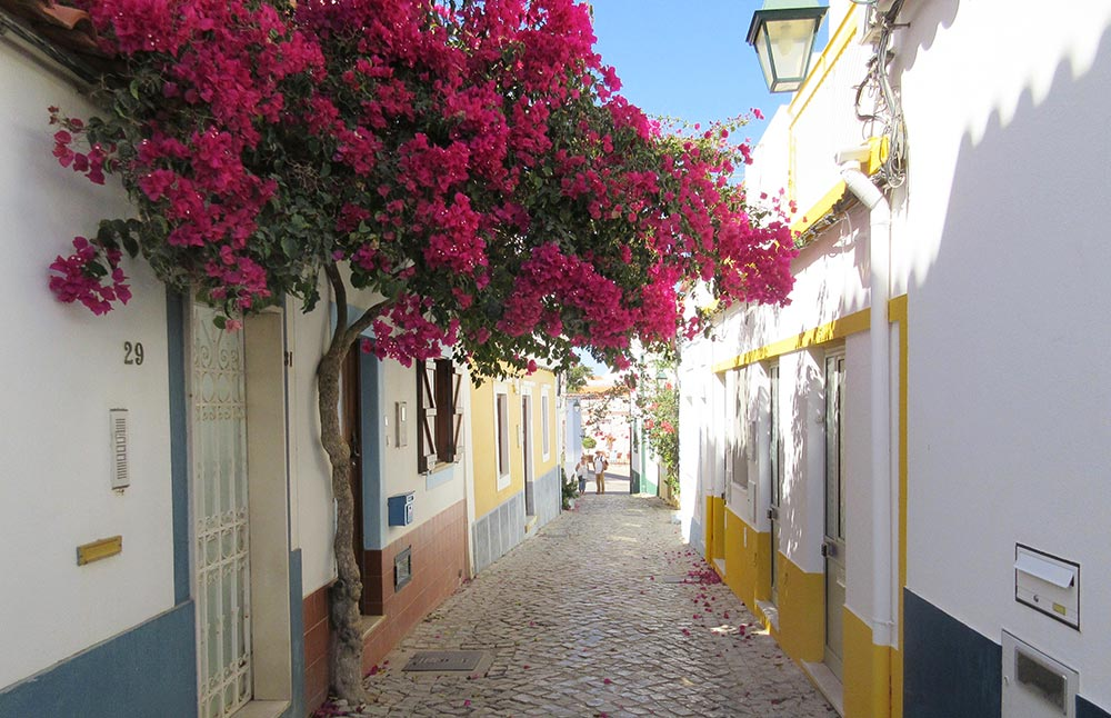 Ferragudo small streets