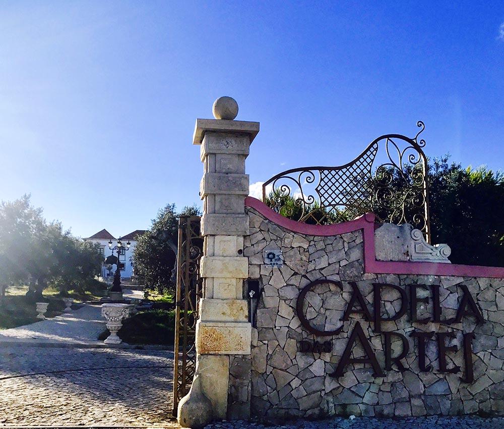 Hotel Capela das Artes Gate